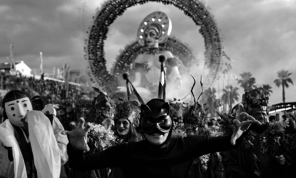 Lontano 7, Carnaval de Viareggio, 2017