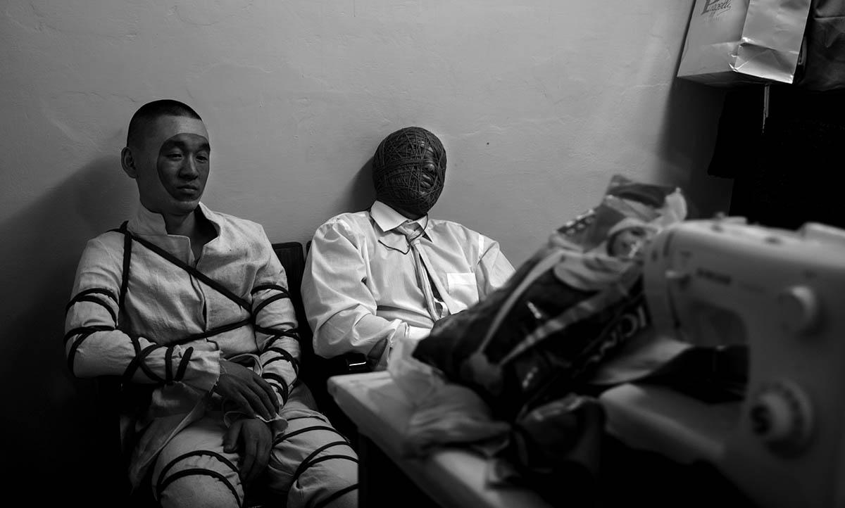 Lontano 16, detenus-comédiens de la Compagnia delle Fortezza, Volterra, 2017